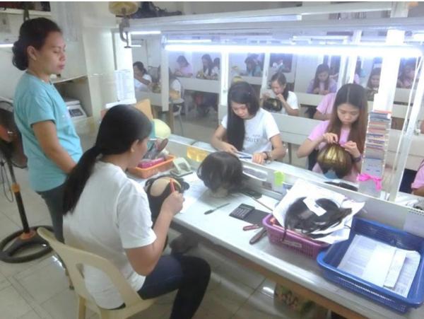 ナチュレーヌウィッグフィリピンの工場⑤責任者チェック
